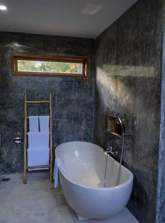Bathroom of The Supreme
